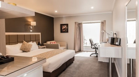 Premium Queen Room Glen Waverley